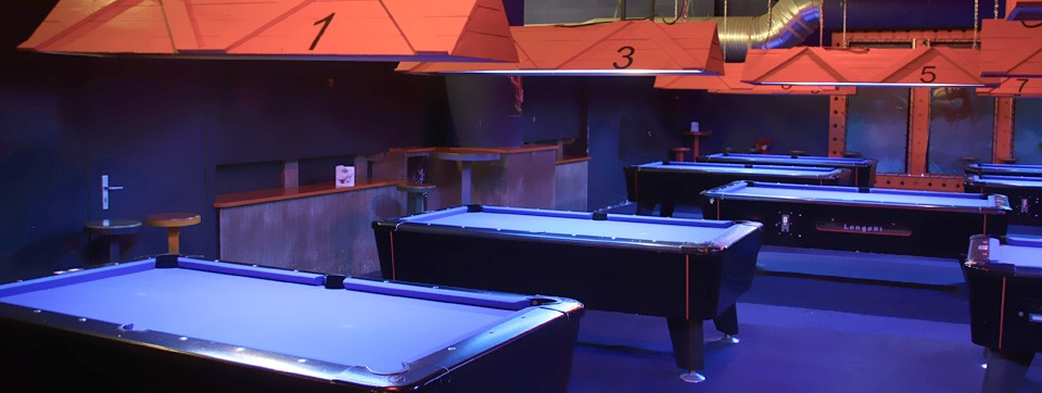 beach bowling 24 pistes de bowling 9 tables de billard des soir es karaok un bar. Black Bedroom Furniture Sets. Home Design Ideas
